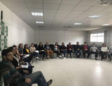 Colaboradores da Cersul participam de curso de a...