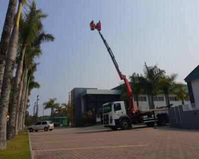 Caminhão moderno atenderá construção e manut...