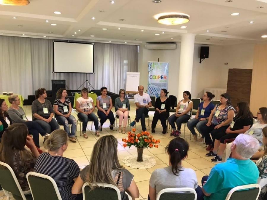 Formação em Jogos cooperativos para os professores do Cooperjovem