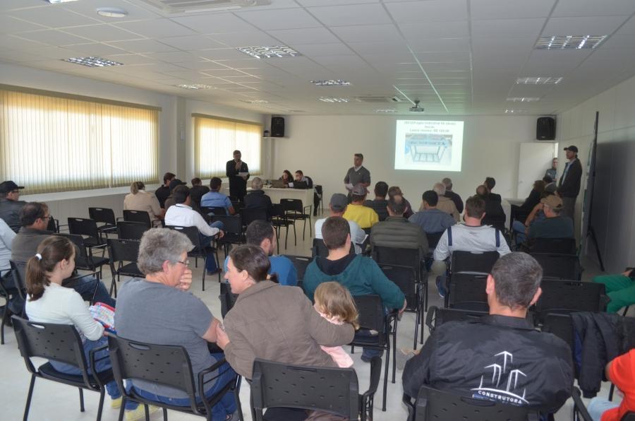 Cersul promove leilão de veículo e móveis de sua propriedade