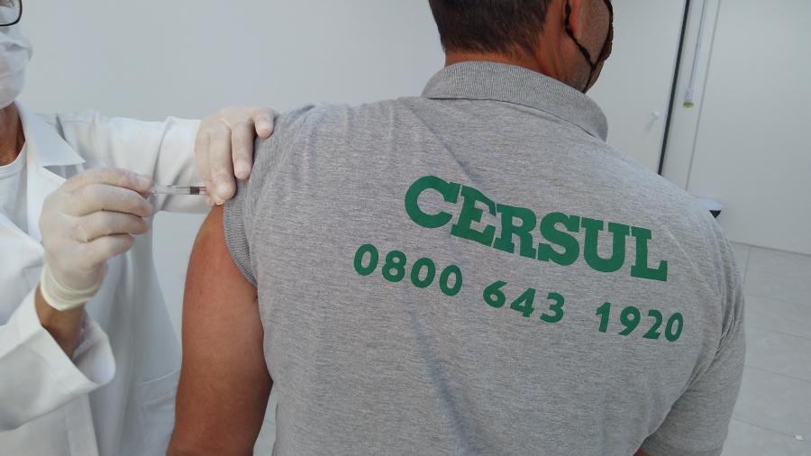 CERSUL imuniza equipe contra H1N1